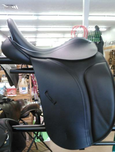 Custom Saddles - English / Dressage Saddles